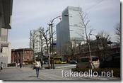 東京ビル前