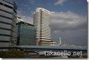 首都高よりインターコンチネンタル東京ベイホテルを望む
