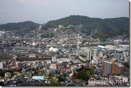 ホテルから稲佐山を望む