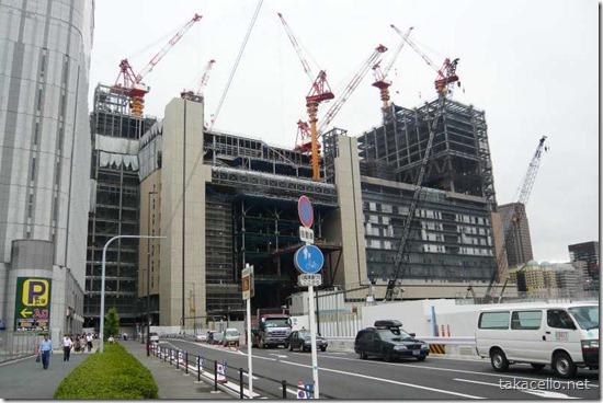 大阪駅のクレーン大会