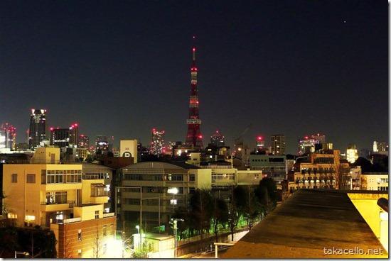 六本木より東京タワーを望む
