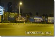 夜の上海、ニュータウン建設予定地