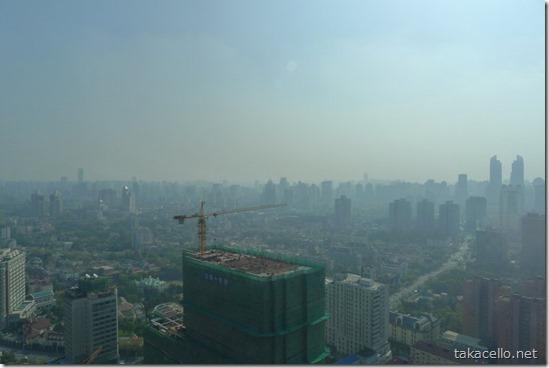 上海のスモッグ:ホテルからの眺め